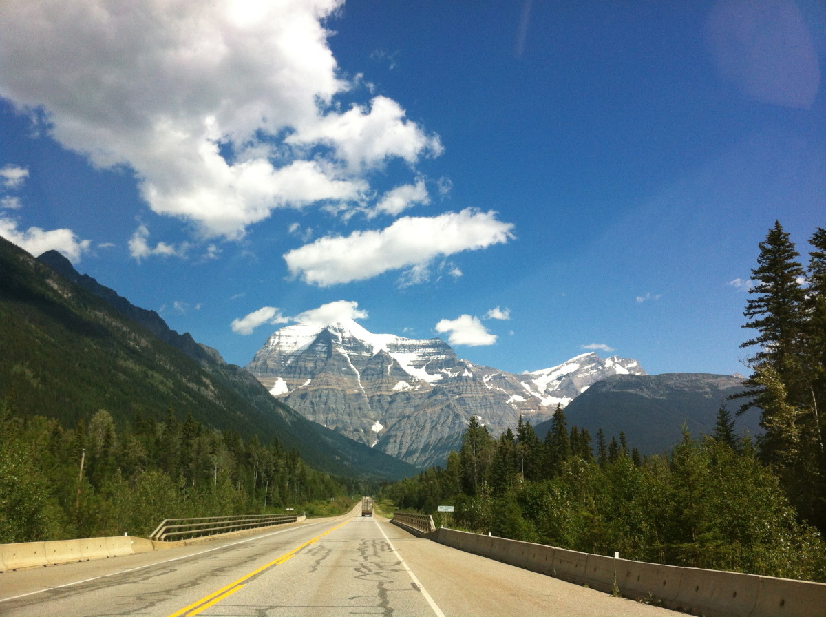 Magnificent Mt. Robson and the Berg Lake Trail
