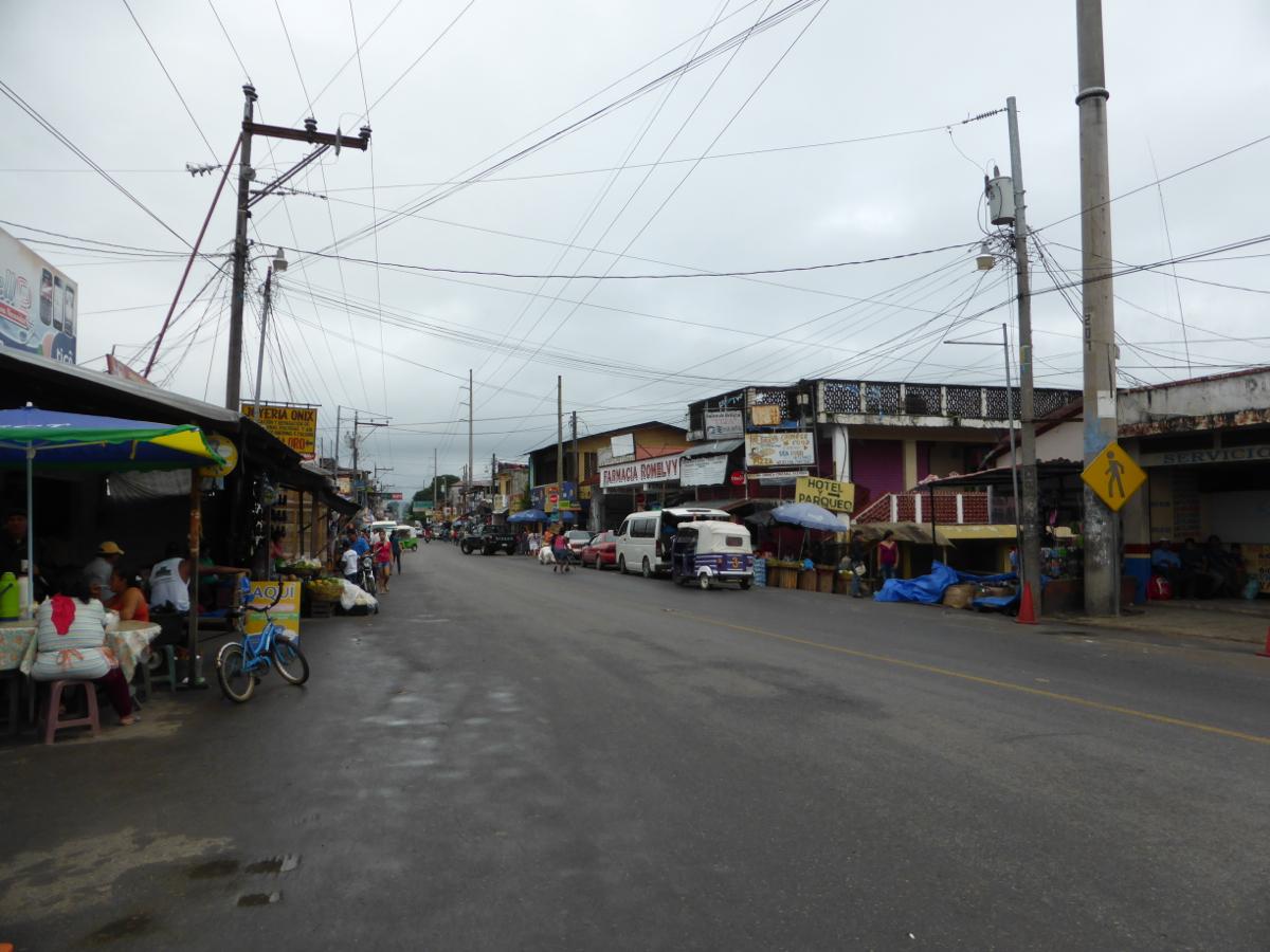 Streetscape of Rio Dulce